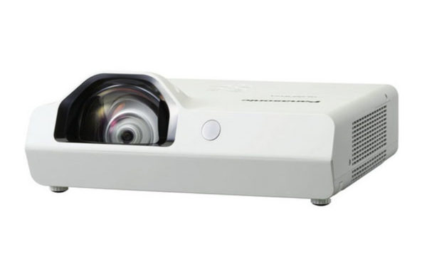 Projektor_za_kratke_razdalje_Panasonic_PT-TW340E_LCD_2