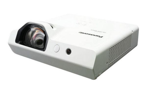 Projektor_za_kratke_razdalje_Panasonic_PT-TW341RE_LCD_3