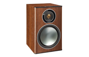 Monitor_Audio_Bronze_1_Walnut_Vinyl_00