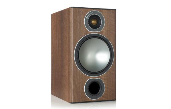 Monitor_Audio_Bronze_2_Walnut_Vinyl_00
