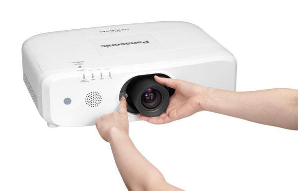 Profesionalni_projektor_Panasonic_PT-EX620LE_LCD_7