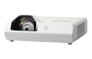 Projektor_za_kratke_razdalje_Panasonic_PT-TW342A_LCD_0