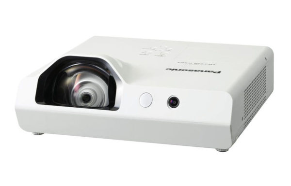 Projektor_za_kratke_razdalje_Panasonic_PT-TW343RA_LCD_2