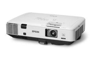 Večnamenski_projektor_Epson_EB-1945ND_LCD_0
